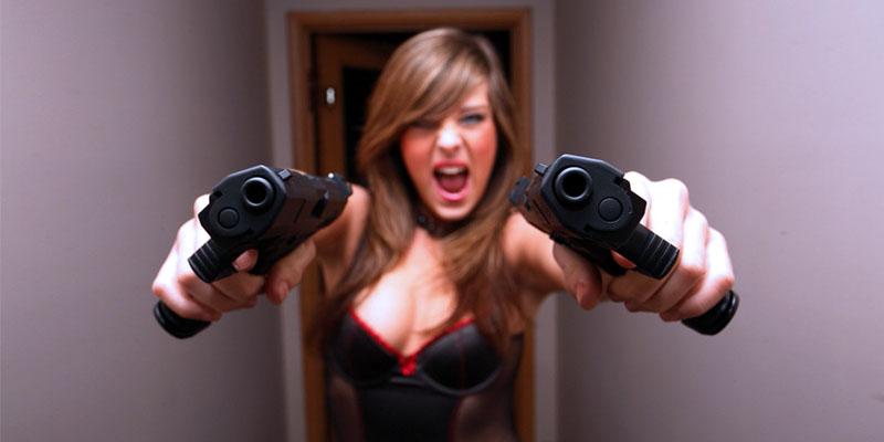 оружие и девушки
